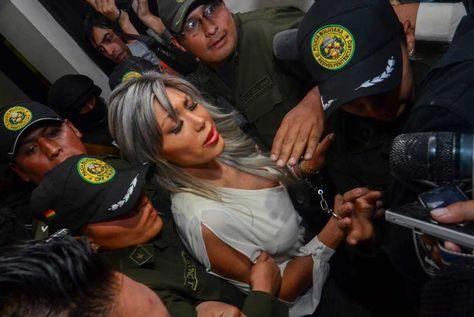 Gabriela Zapata, tras una audiencia en juzgados de La Paz. Foto: APG