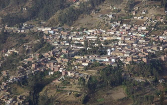 Comunario muere a pedradas en conflicto por tierras en Sorata, una persona está retenida