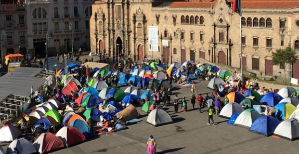 La vigilia de las personas con discapacidad cumplió su cuarto día en La Paz desde su arribo en una prolongada marcha.