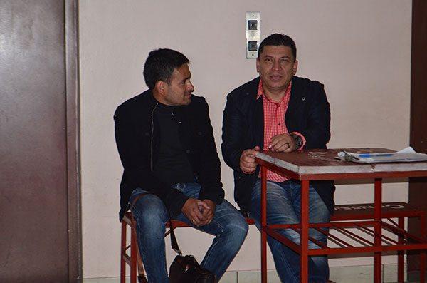 Héctor Castellón junto a Marco Antonio Aramayo.