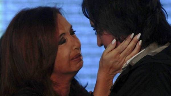 Cristina-Maximo-Kirchner_CLAIMA20160407_0011_28