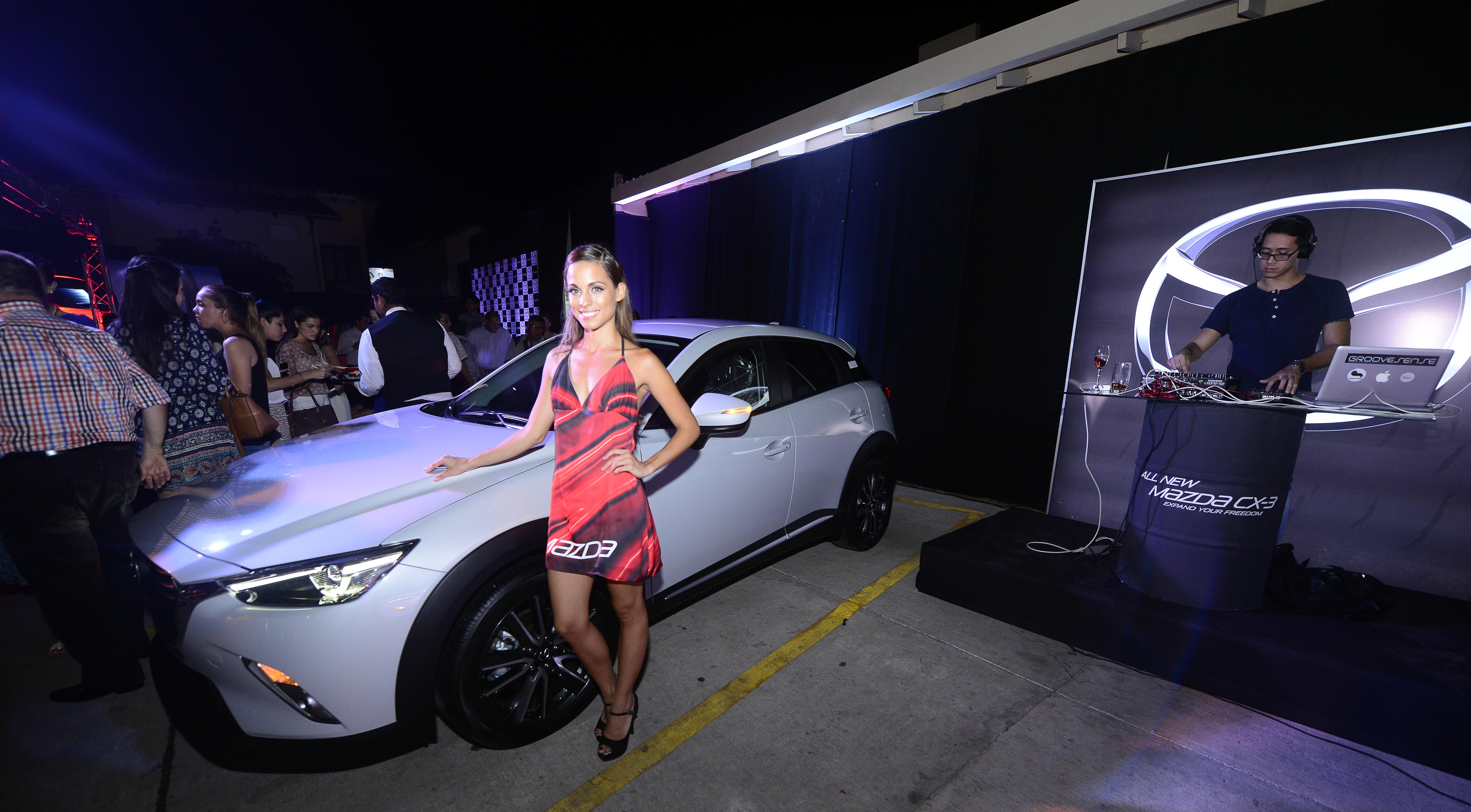 La modelo Sara Fuertes presenta el nuevo Mazda