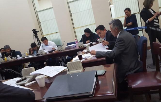 """Oposición alista informe de minoría y dice que CAMC se valió de """"favoritismo"""" del Gobierno"""