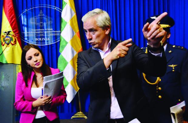 Abogados: El caso del Vice es similar al del senador Murillo