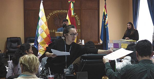 La comisión mixta de Constitución tuvo un criterio unánime en la selección de los candidatos