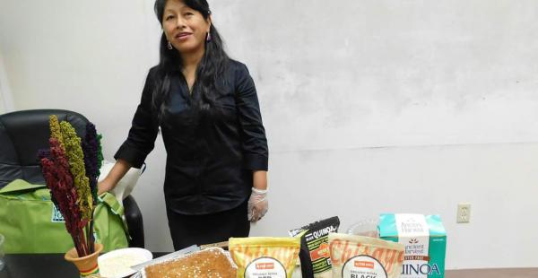Ana Chipana es conocida por su apoyo y difusión de la quinua boliviana en el exterior.