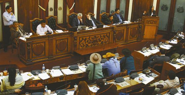 La Asamblea amplió el plazo para la presentación de los candidatos