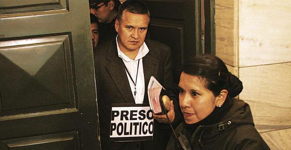 El abogado Eduardo León se declaró preso político. Dejó de defender a Gabriela Zapata