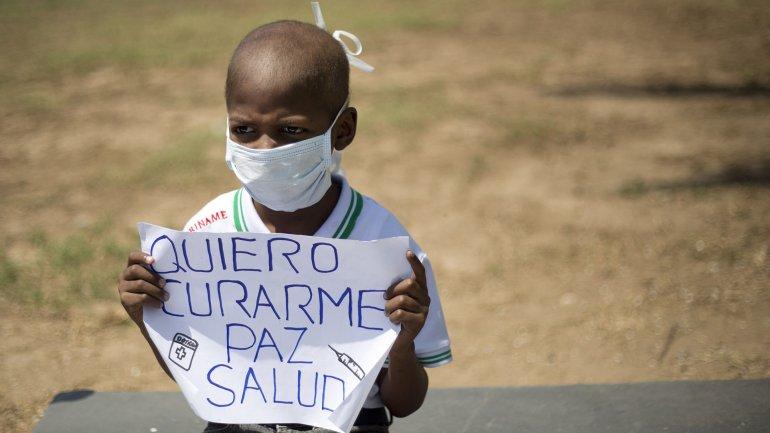 Oliver Sánchez pedía por medicamentos en una marcha en febrero