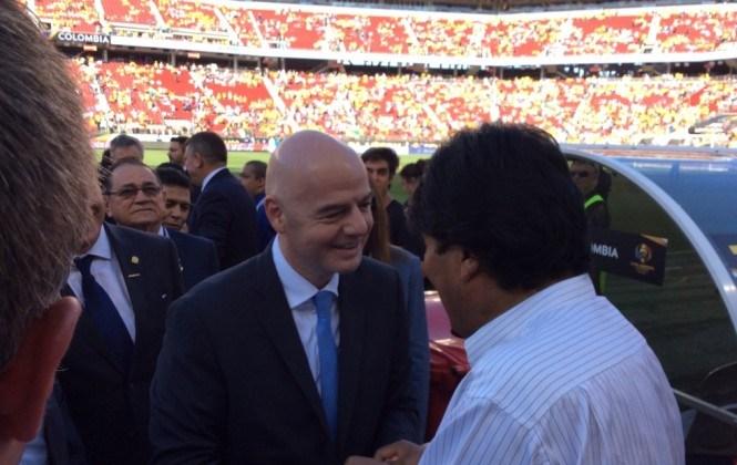 Evo anuncia que en dos meses comisión FIFA visitará Bolivia para ver infraestructura deportiva