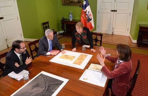 La presidenta Bachelet analiza junto con el canciller Muñoz y la agente Fuentes los documentos de la demanda en la CIJ por el Silala.