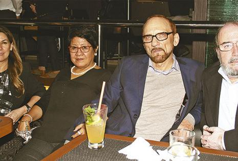Viviana Ubeira de Barrientos, Marlene de Biste, Michael Biste (Cónsul De Alemania) y Juan Carlos Barrientos (Cónsul De Chile)