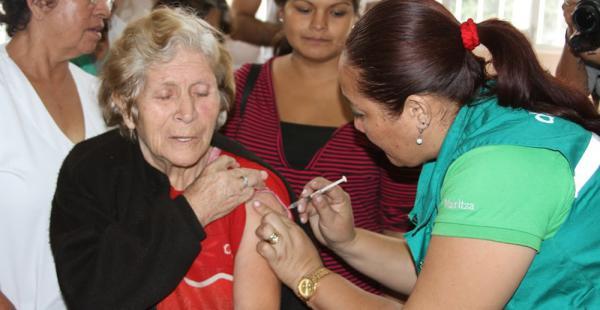 Los mayores de 50 años, así como los menores de cinco y mujeres embarazadas a partir de tres meses, deben hacerse vacunar