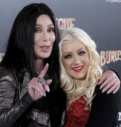 Cher y Christina Aguilera, durante la presentación de la película