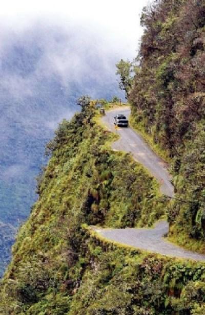 Cuatro accidentes en la vía a Yungas dejan 20 heridos
