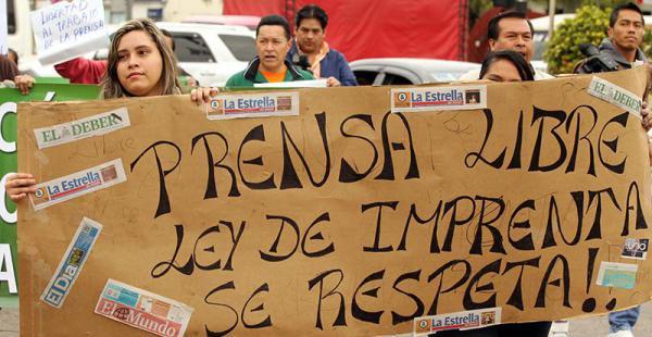 Periodistas protestaron este miércoles en Santa Cruz exigiendo respeto a la libertad de prensa