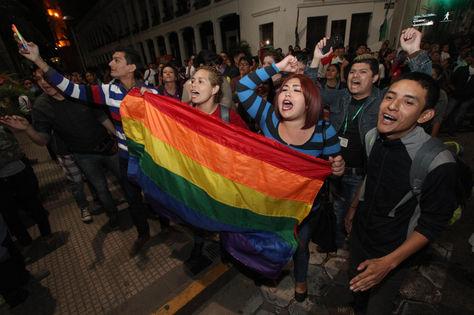Activistas defienden la vigencia de la Ley de Identidad de género en Santa Cruz.