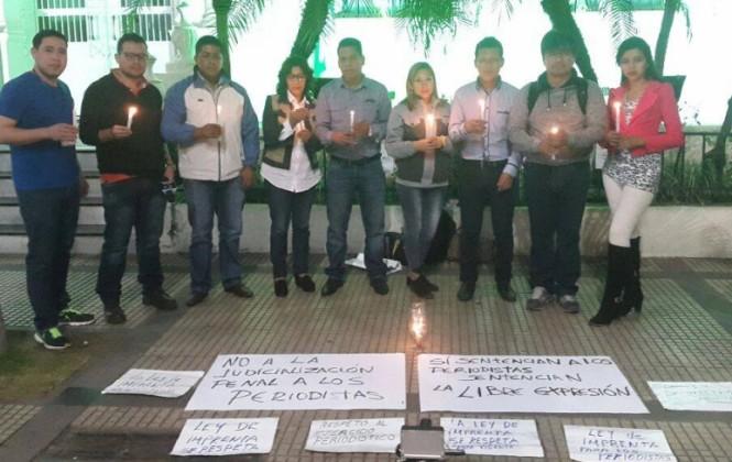 Santa Cruz: Periodistas realizan vigilias en defensa de la Ley de Imprenta