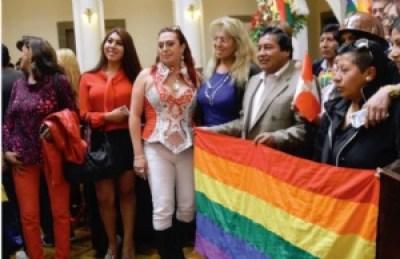 Ley de Género: Evo pide a obispos escuchar al Papa