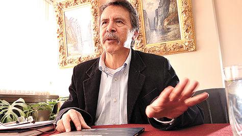 2015. Contralor Gabriel Herbas lanza la primera denuncia.