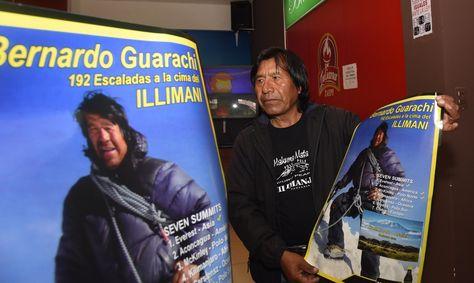 El escalador boliviano Bernardo Guarachi.