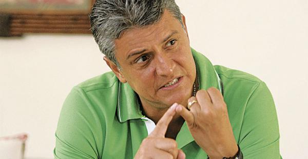 Ernesto Suárez se presentó en la audiencia ante la Fiscalía en Trinidad