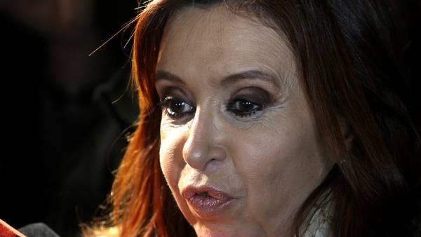 DYN27, BUENOS AIRES 05/07/2016, LA EXPRESIDENTA, CRISTINA FERNADEZ,SE RETIRA ESTA NOCHE DEL INSTITUTO PATRIA .FOTO:DYN/EZEQUIEL PONTORIERO.