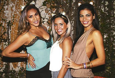 Kathia Irala, Kelly Soliz y Nataly Olmedo se esmeraron para que la sorpresa a la presentadora sea inolvidable