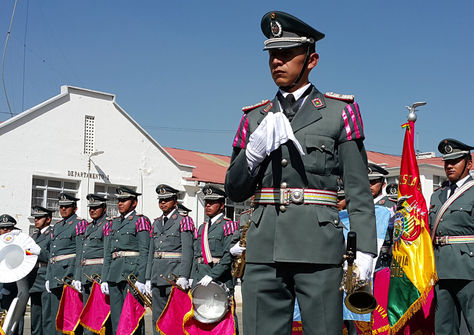 El sargento segundo de música, Luis Lagos, junto a la Banda Militar del Ejército en una presentación para La Razón Digital. Foto: Ángel Guarachi