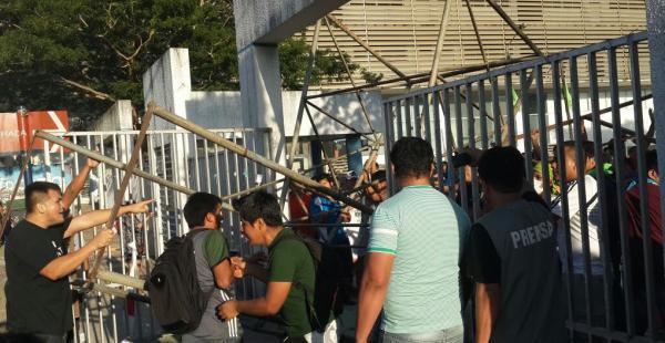 Choque de estudiantes en el segundo anillo y avenida Bush