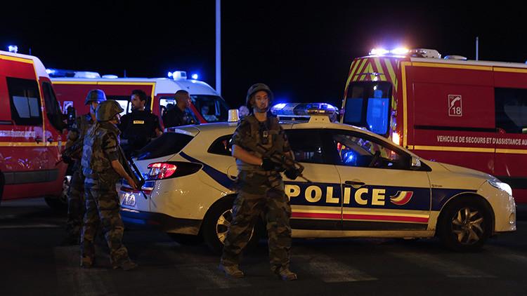 Patrulla policial en Niza