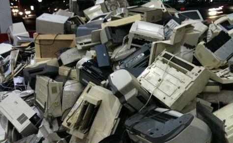 Impresoras y computadores son parte de los residuos electrónicos más comunes en los hogares. Foto: Internet