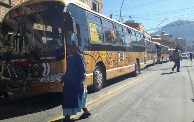 Inauguran la nueva ruta del bus Pumakatari a la zona de Kalajahuira