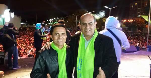 Juan Carlos Paz (derecha) a lado de Alfredo Jaldín durante uno de sus eventos de campaña