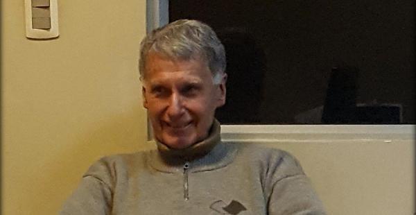 El padre Eduardo Pérez, director de Radio Fides