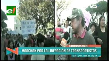 Sucre: Movilizaciones de vecinos y transportistas generan convulsión