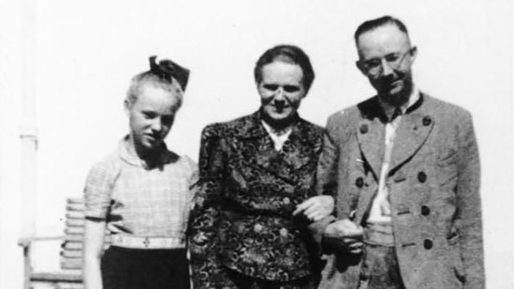 Himmler con su esposa Margarete e hija Gudrun.