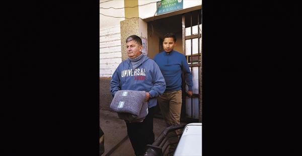 Así salió de las celdas de la Felcc y fue trasladado a la Fiscalía