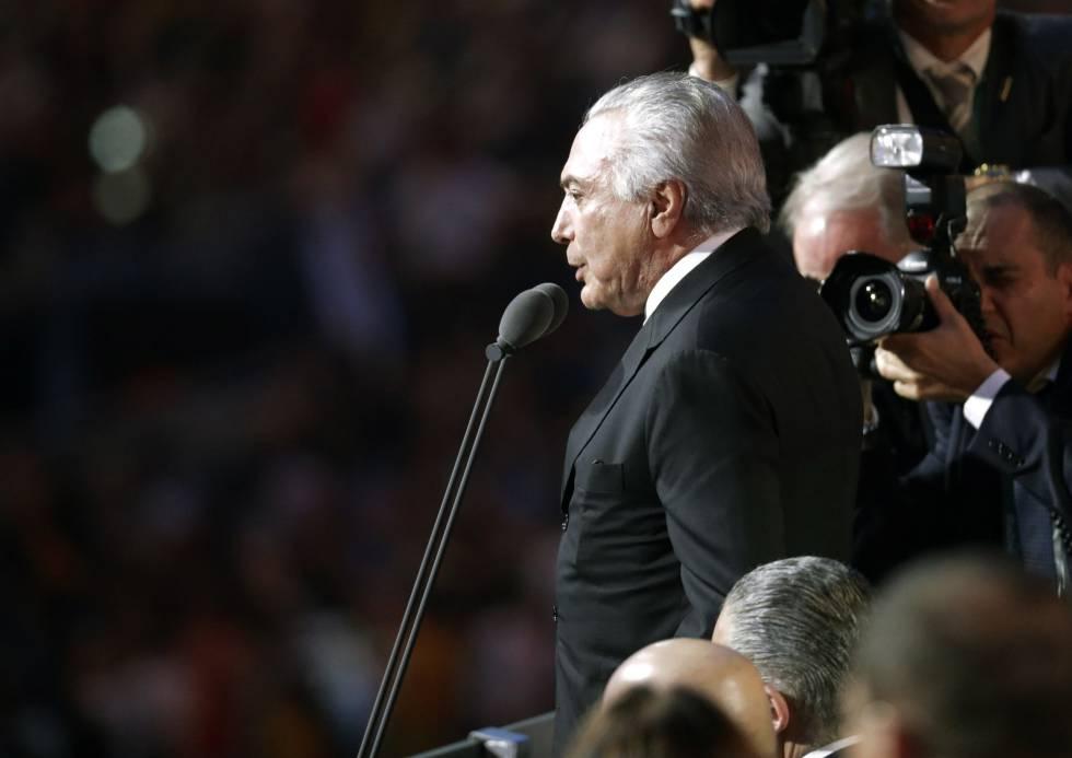 El presidente brasileño en funciones, Michel Temer, delcara los Juegos de Río de Janeiro inaugurados entre abucheos