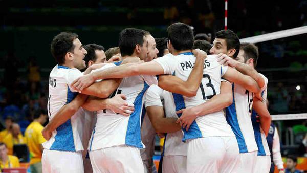 El festejo del equipo argentino tras la enorme victoria sobre Rusia. (Lorena Lucca / enviada especial)