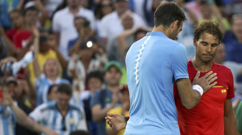Foto: Del Potro saluda a Nadal tras el partido de semifinales (Kevin Lamarque/Reuters)