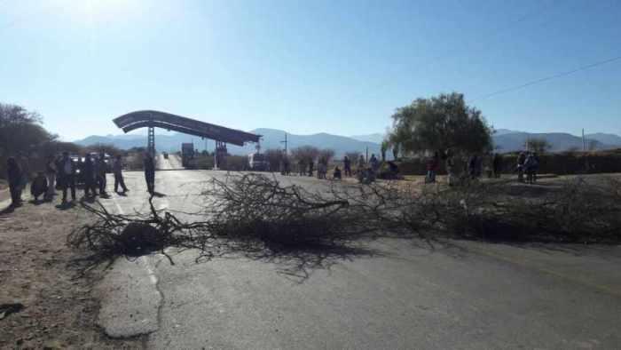 Sector campesino inicia bloqueo de carreteras en distintos puntos
