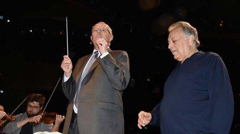 El presidente del Perú, Pedro Pablo Kuczynski, dirigió la Orquesta Filarmónica de Israel en el Gran Teatro Nacional.