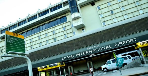 Imágenes del aeropuerto Internacional de Miami, donde fue arrestado un ciudadano boliviano