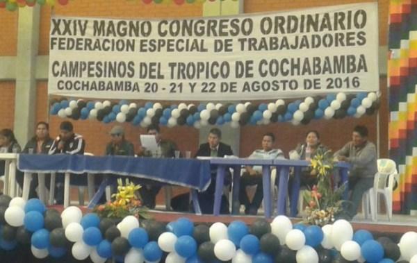 """Cocaleros proclaman a Evo Morales como """"único candidato revolucionario"""" para las próximas elecciones"""