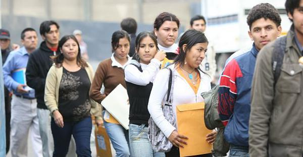 La crisis económica en la región ocasionó que el mercado laboral tenga un declive