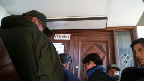 Funcionarios de la Fiscalía allanan oficinas de Fencomin en La Paz