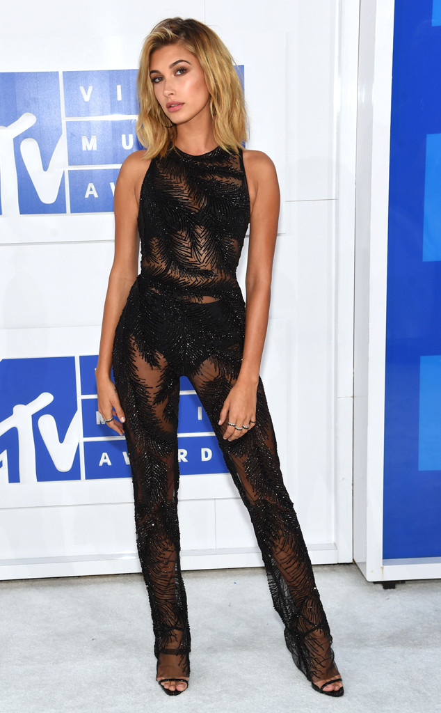 Hailey Baldwin, 2016 MTV VMAs