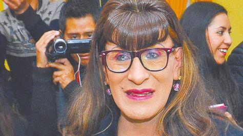 Pamela Valenzuela, la primera en presentar su trámite para el cambio de datos