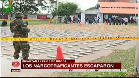 Incautaron 21 kilos de cocaína, narcotraficantes escaparon